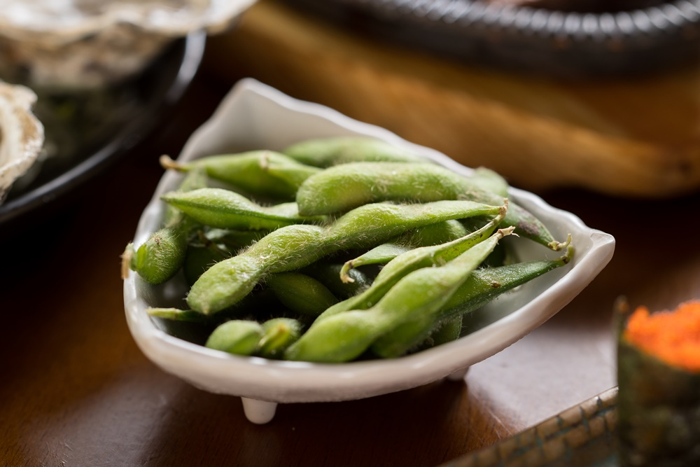 Conheça o edamame, o superalimento da culinária japonesa